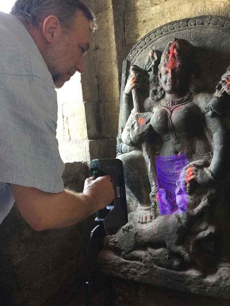 Professor Bernard Means is 3D Scanning the sculpture of the goddess Mahishasuramardini